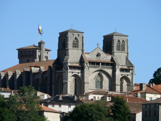Etude d'opportunité pour la création d'une unité de restauration dans le cadre du programme de rénovation de l'abbaye de La Chaise-Dieu.